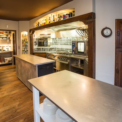 Geert Casteleyn BVBA - Referenties - Villa Hotel - Westende